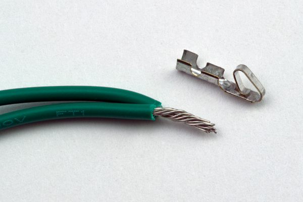 prepare double crimp connection for ground jumpers
